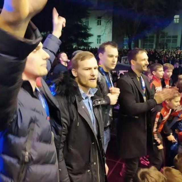 Oduševljeni Mostarci dočekali su svoje sportske junake osvajače srebrne medalje