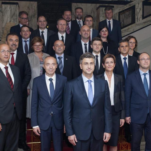 Fotografiranje mandatara Andreja Plenkovića s ministrima