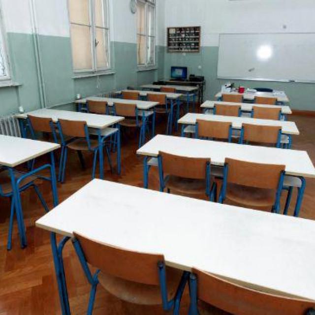 škol Hanza media