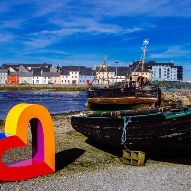 Galway je sveučilišni grad s 80 tisuća stanovnika
