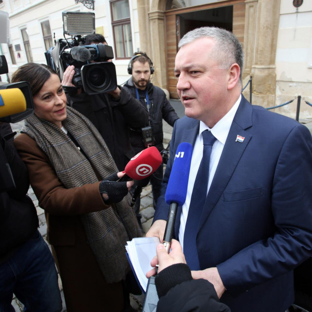 """Ministru Darku Horvatu je opravdanje za sanaciju 'Đure Đakovića' da je to """"važan segment u županiji"""""""