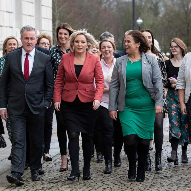 Irski Republikanci predvođeni Mary Lou McDonald nezaustavljivo gaze