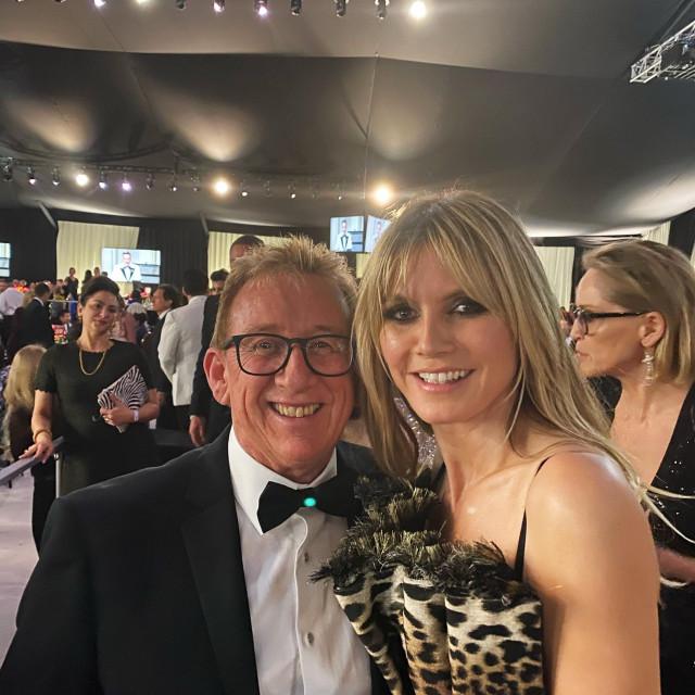 David Furnish, suprug Eltona Johna, u društvu SaneleDiane Jenkins