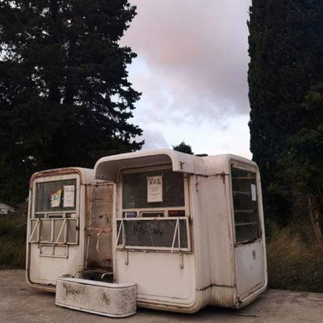 Kiosk s Ulice Iva Vojnovića završio u Kuparima
