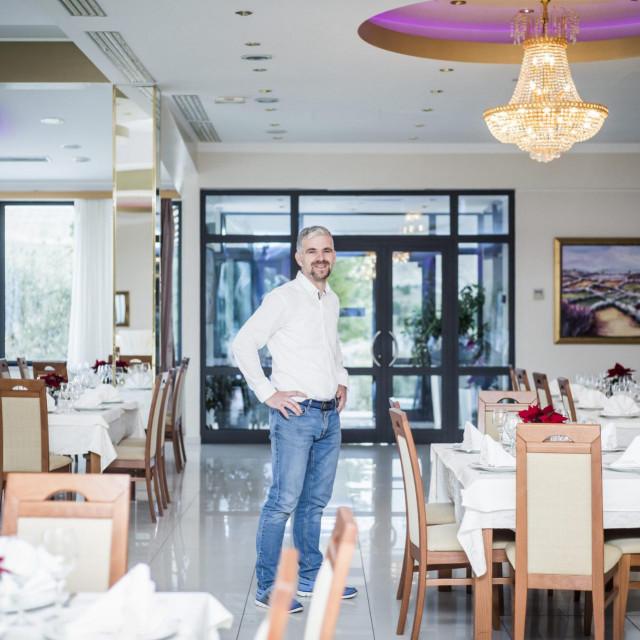 Donje polje, 021219.<br /> Reportaza o restoranu Torcida, te vlasnicima restorana.<br /> Na fotografiji: Vlasnik Jere Superba.<br />