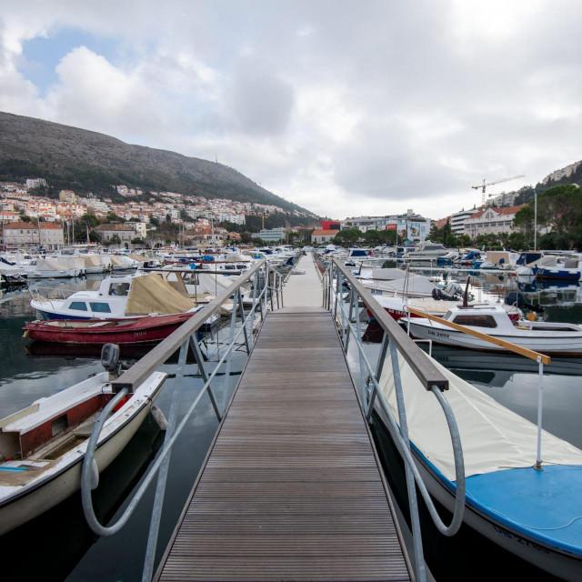 Specijal SD<br /> Dubrovnik, 12.02.2020.<br /> Na istezalistu brodica na Batali raspravlja se o novom pravilniku o registraciji i tehnickom pregledu brodica.<br />