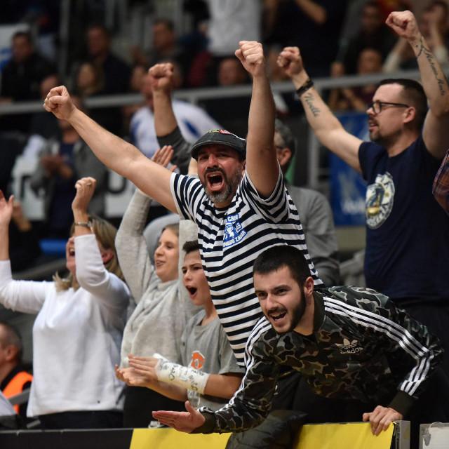 Zadar, 130220<br /> Dvorana Kresimir Cosic. Utakmica polufinala Kupa Kresimira Cosica izmedju KK Zadar i KK Split.<br /> Na fotografiji: publika.<br />