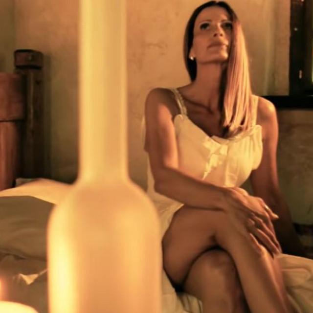 """Ana Sasso u spotu za pjesmu""""Lumin"""", s kojom je Fudo supruzi čestitao 25 godina braka"""
