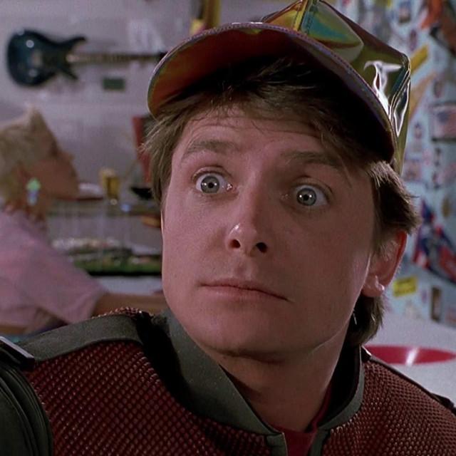 Michael J. Fox u sceni iz filma 'Povratak u budućnost 2'