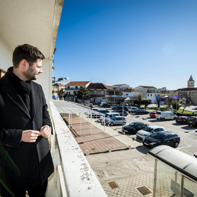 Pirovac, 060220.<br /> Reportaza o radu Opcine Pirovac<br /> Na fotografiji: Ivan Gulam nacelnik<br />