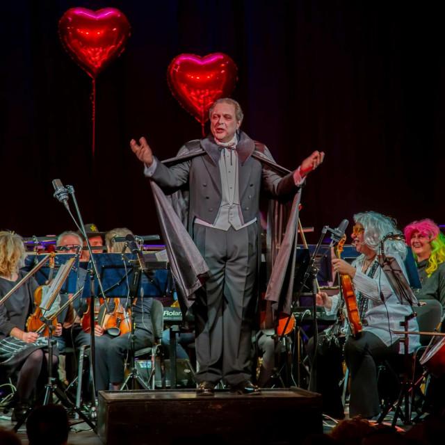 Valentinovo maškarani koncert za zaljubljene DSO, KMD