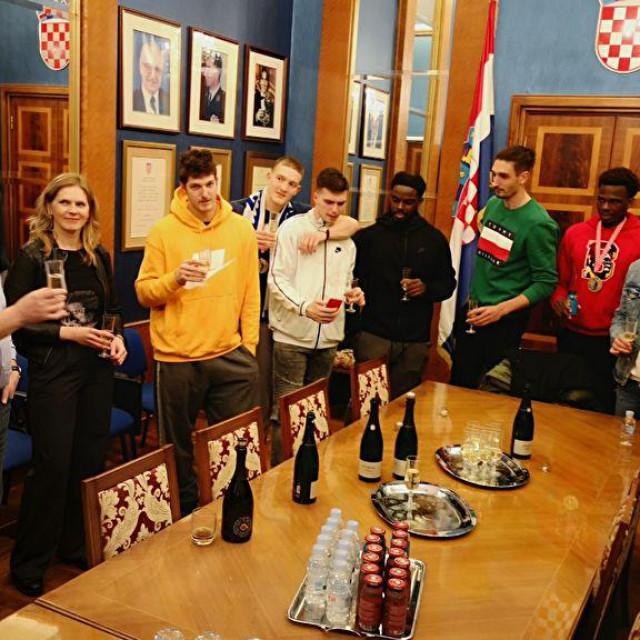 Gradonačelnik Dukić primio košarkaše Zadra