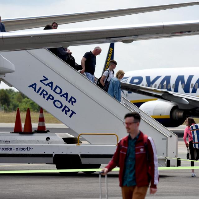 Zemunik, 070617.<br /> Najveca europska niskotarifna kompanija Ryanair i Zracna luka Zadar danas je obiljezila dolazak 2,000.000 putnika koliko je s Ryanairom prevezeno od pocetka suradnje sa Zadarskom zracnom lukom. Na prigodnoj svecanosti nazocili su direktorica Zracne luke Zadar Irena Cosic, voditeljica marketinga i prodaje za istocni Mediteran Ryanaira Dimitra Apatsidou.<br />