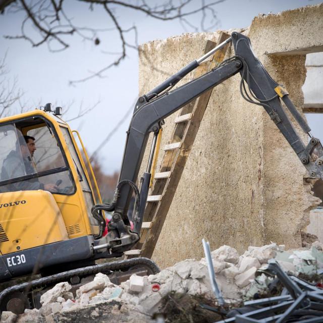 Bogatic, 120220.<br /> Izgradnja hostela na lokaciji zatvorene skole.<br />