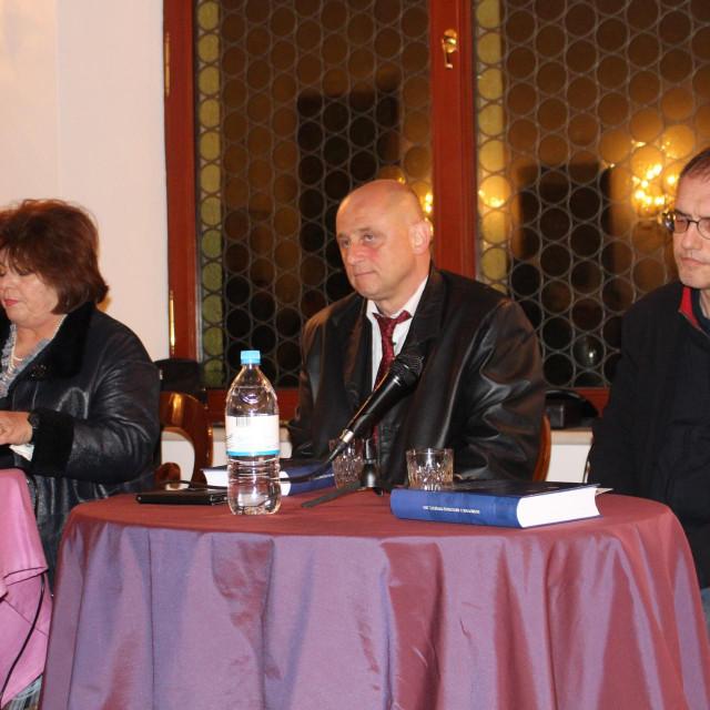 Slijeva: Slavica Stojan, Mario Grčević i Stjepan Ćosić