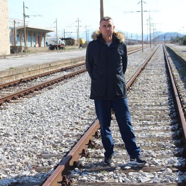 Nakon 21 godinu radnog staža,za Jadranka više nema posla u HŽ-Cargu<br />