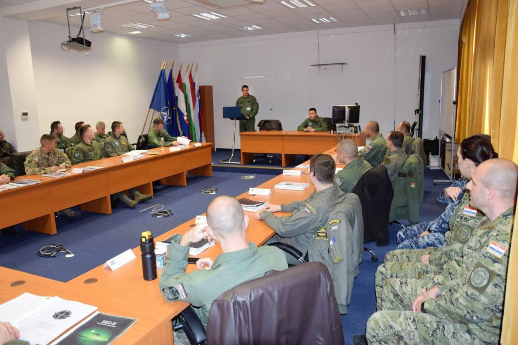 Započeo je prvi tečaj za planiranje specijalnih zračnih operacija u Međunarodnom središtu za obuku specijalnih zračnih snaga (MSAP TC)