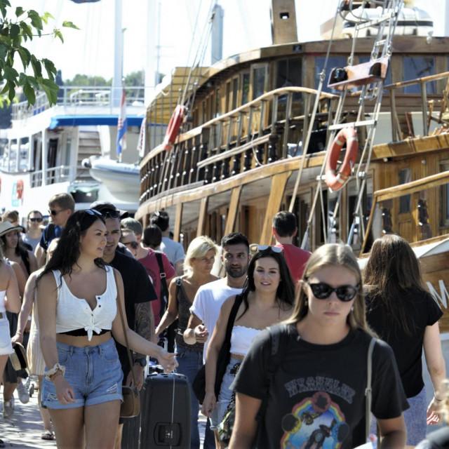 Čak ni turistička masa ne uspijeva dovoljno 'nabildati' splitsko-dalmatinski BDP