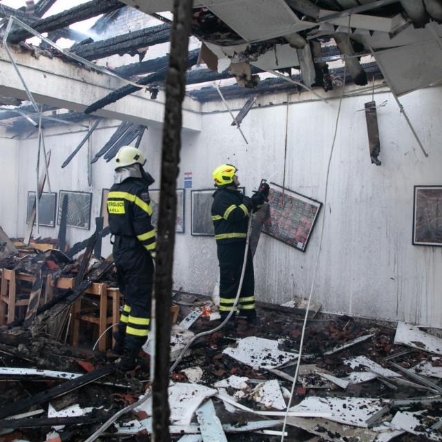 U školi Braće Radić u Kaštel Štafiliću izgorio je učenički restoran