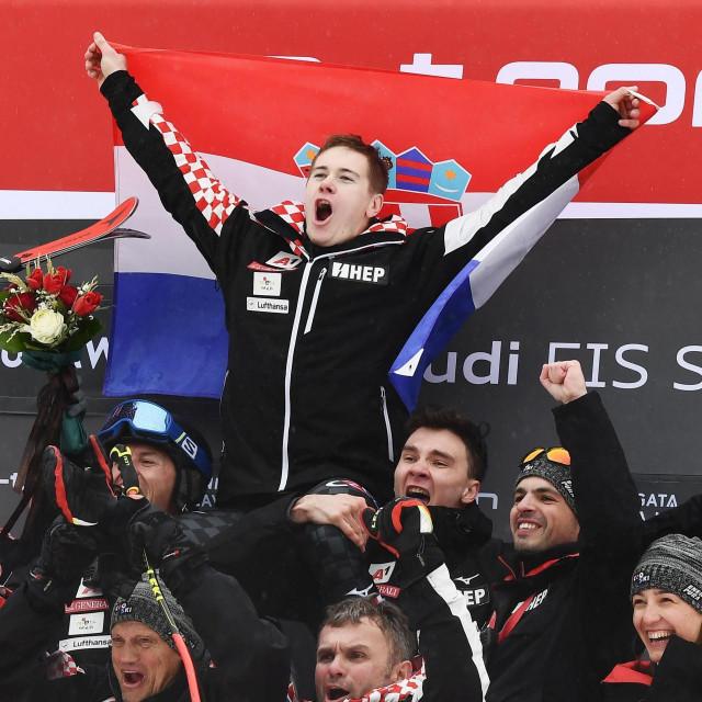 Slavlje Zubčića i ekipe