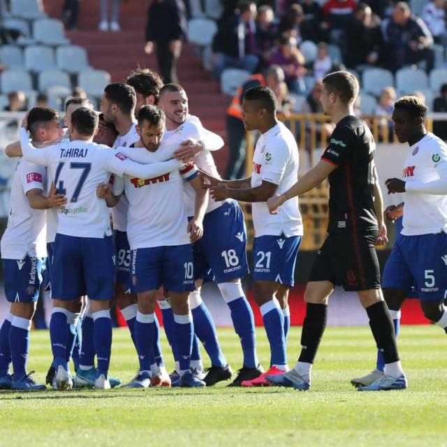 Slavlje igrača Hajduka nakon vodećeg pogotka