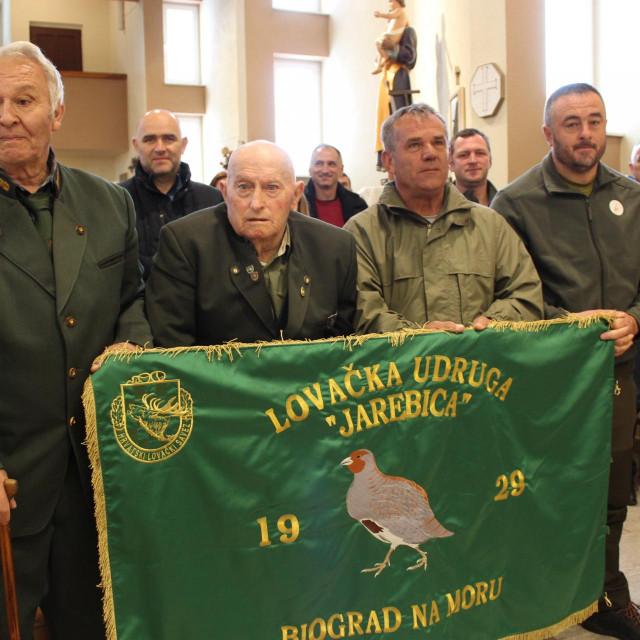 Vjekoslav Kazija (80) iz Draga na prigodan način obilježio 50 godina lovačkog staža