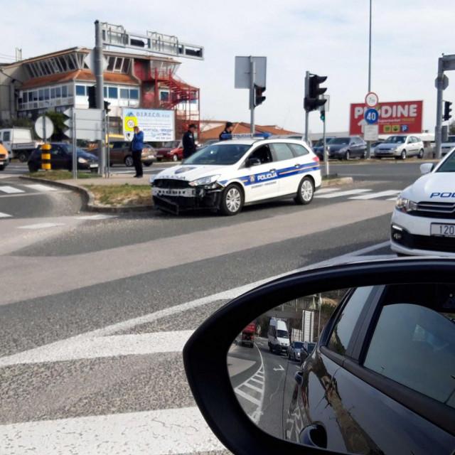 Prometna nesreća na križanju za Trogir i Plano