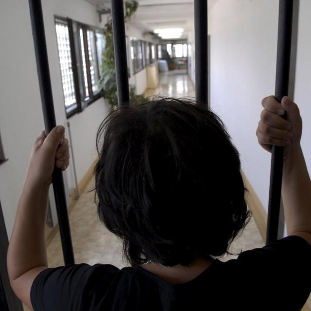 Split 220807. novosti SD Zatvor Bilice u Splitu u kojem boravi oko 260 zatvorenika i pritvorenika. Ilustracija za tekst Dijane Barbaric. foto: Nikola Vilic/Cropix