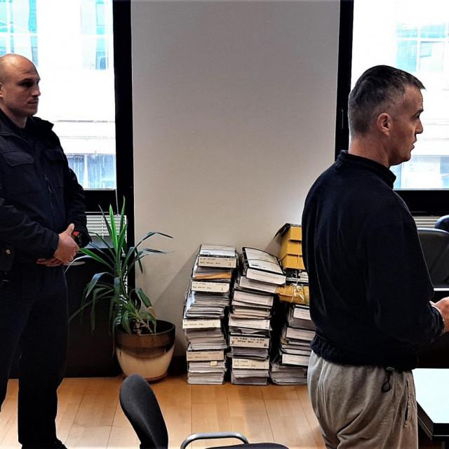 Hrvoje Šabić na početku jučerašnjeg suđenja na splitskom sudu