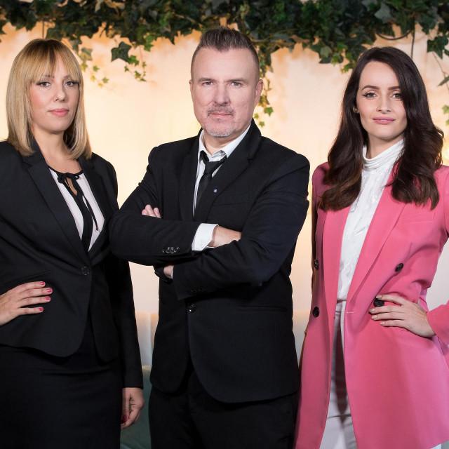 Ita Štefanek, vlasnica agencije za spajanje parova, psiholog Boris Blažinić i spisateljica Ingrid Divković pokušat će naći idealne partnere