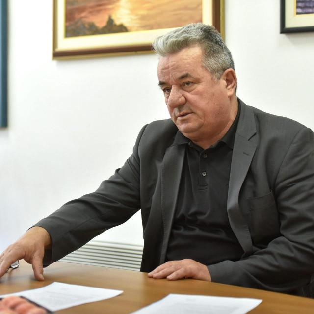Ravnatelj<strong> </strong>Ekonomsko-birotehničke i trgovačke škole Jozo Dragić