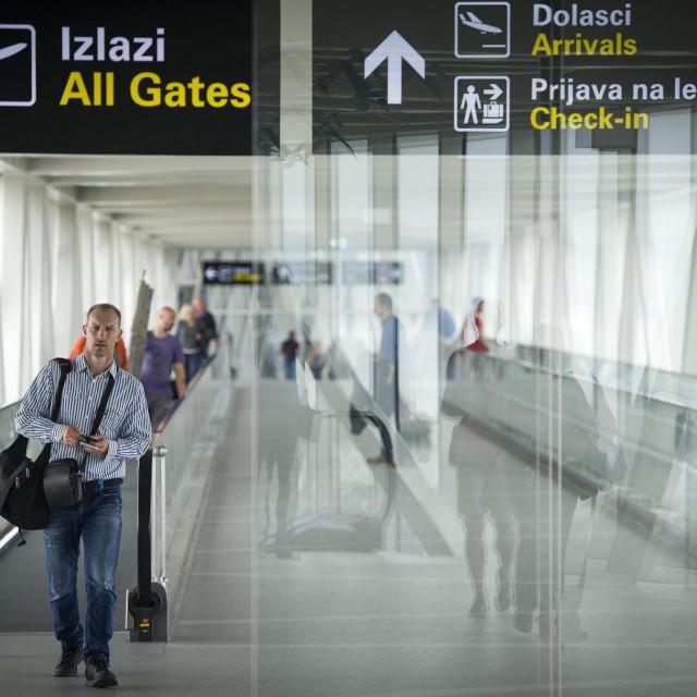 Resnik, 230919.<br /> U Hrvatskoj je zbog bankrota tvrtke Thomas Cook tijekom jucerasnjeg dana zapelo oko 600 putnika, od kojih je njih 438 ostalo u zracnoj luci Split gdje su otkazana dva leta.<br />