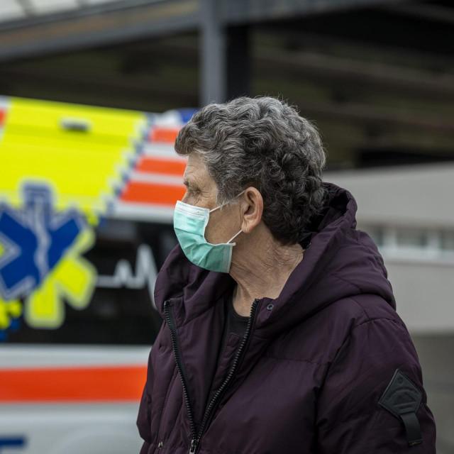 Sibenik, 260220.<br />Gradjani nose zastitner maske zbog pojave koronavirusa.<br />