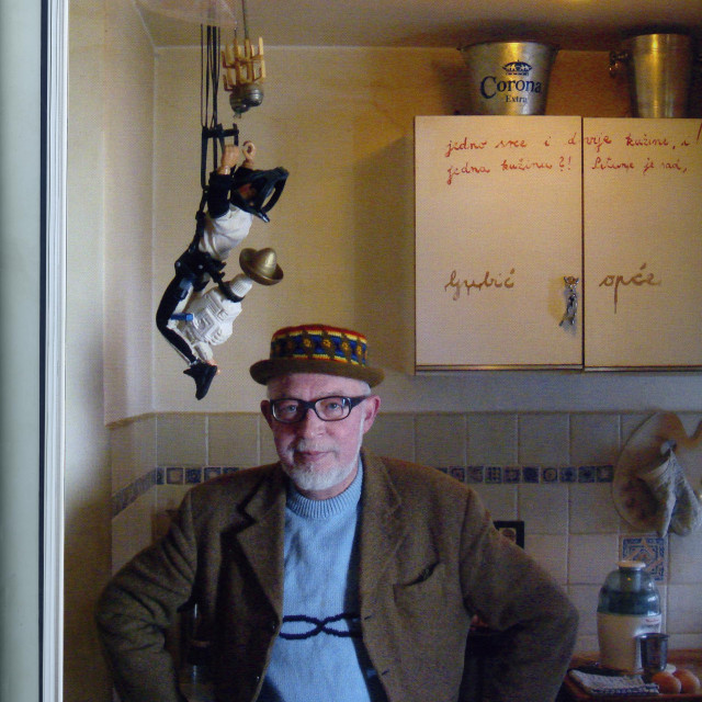 Zlatan Dumanić, umjetnik bogate ostavštine, u svojem glasovitom stanu u Rodriginoj 2
