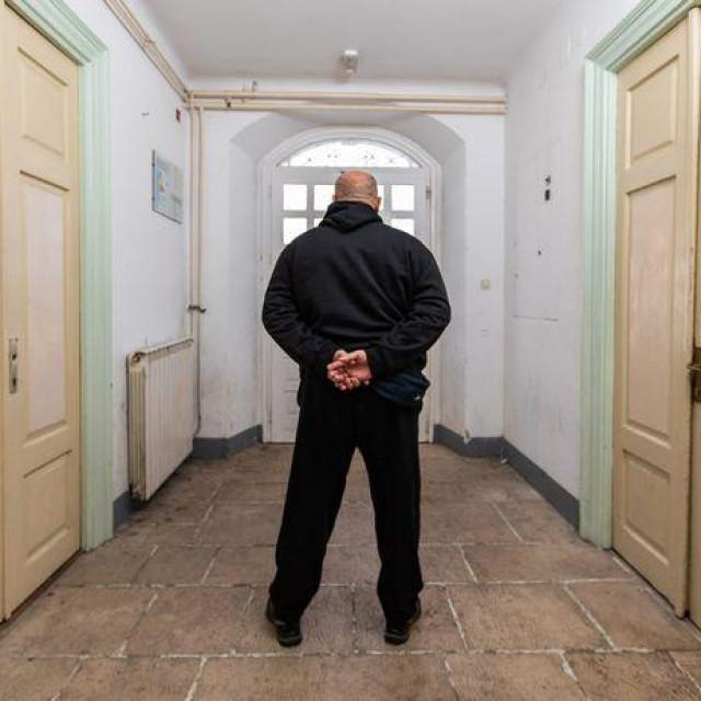 Potresne ispovijesti trojice muškaraca otkrivaju kako izgleda život u popravnom domu