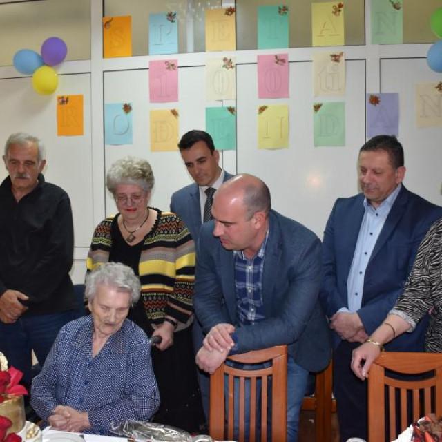 Ana Kozić, proslavila 100. rođendan