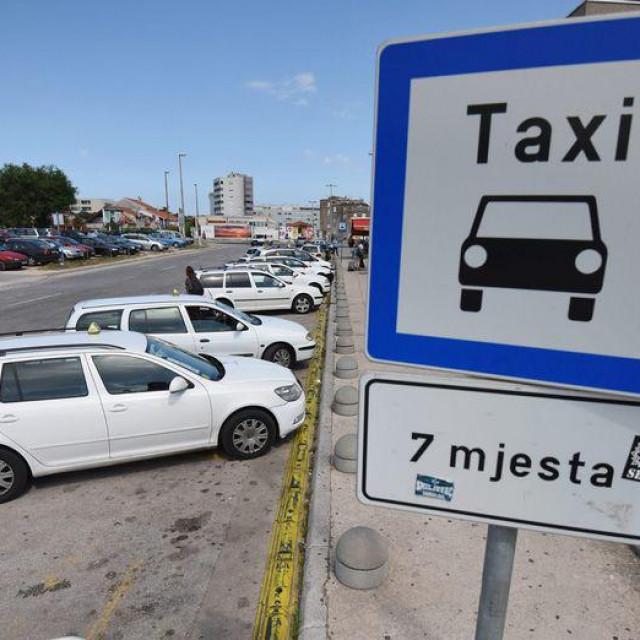 Zbog napada na taksistu uvjetna osuda.