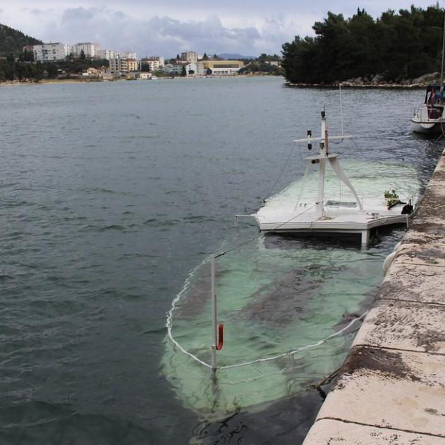 Drugi put potonuo turistički drveni brod 'Aba'