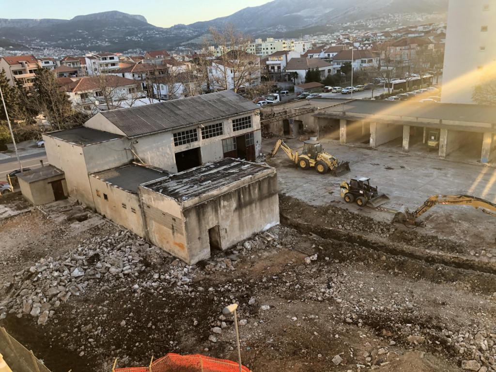 Tvrtka 'Publika', vlasnički povezana s 'Victom', upisana je kao posjednik gotovo 5000 kvadrata u Hercegovačkoj