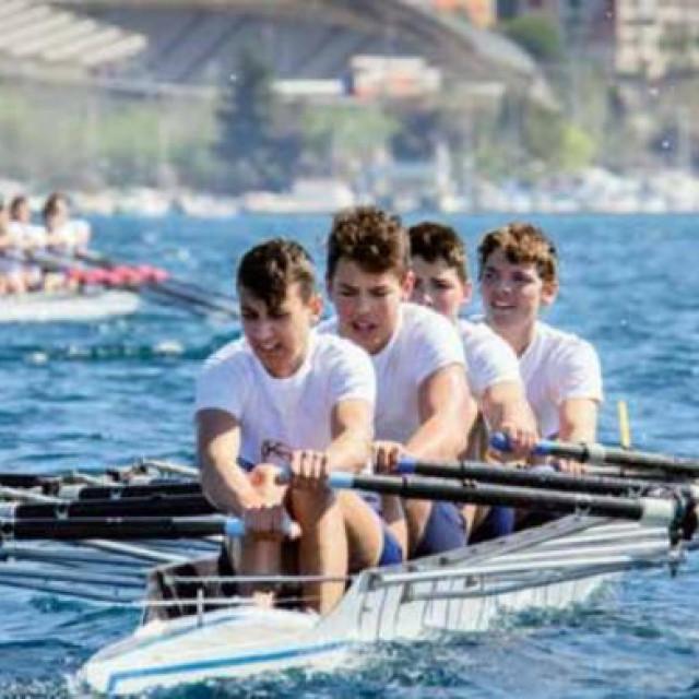Već dvadeset godina veslačka se sezona otvara na Gusara