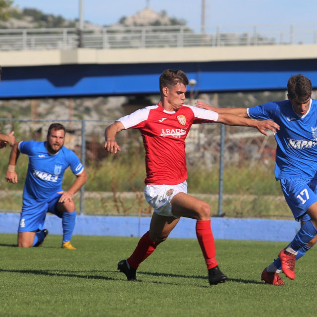 Treća hrvatska liga - jug, 3. kolo: Jadran LP - BŠK Zmaj 2:1 foto: Tonči Vlašić