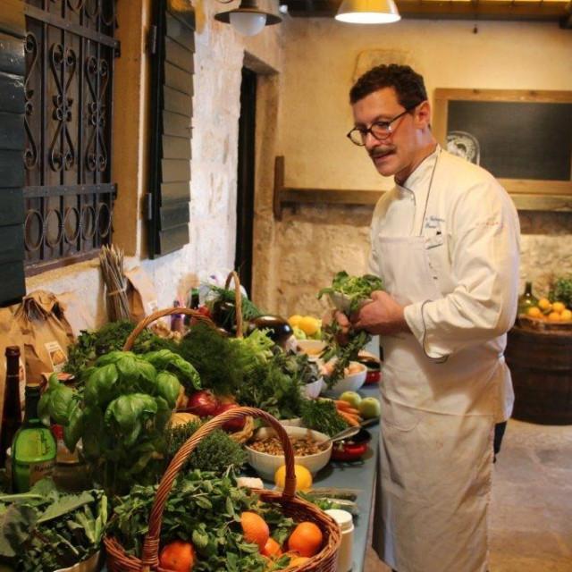 Chef Dino Galvagno održao je edukativnu radionicu u Agroturizmu Kameni Dvori