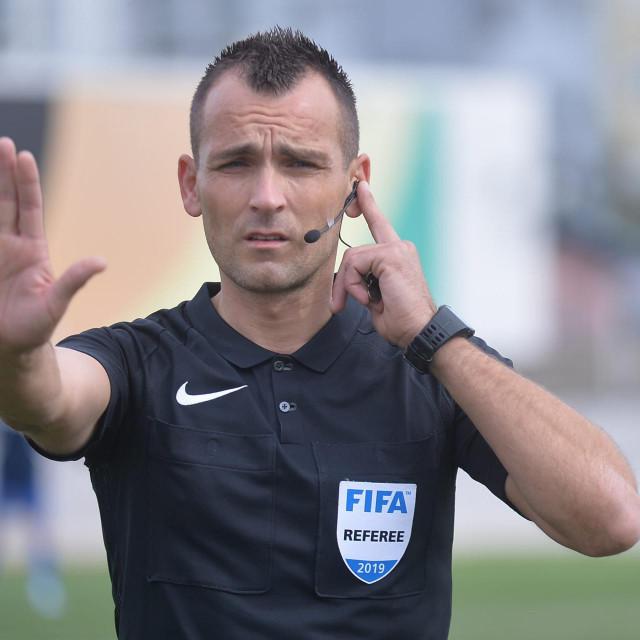 Na utakmici juniora Rudeša i Hajduka Bebek je čekao signal iz VAR sobe, a u nedjelju će ga davati Zdenku Lovriću