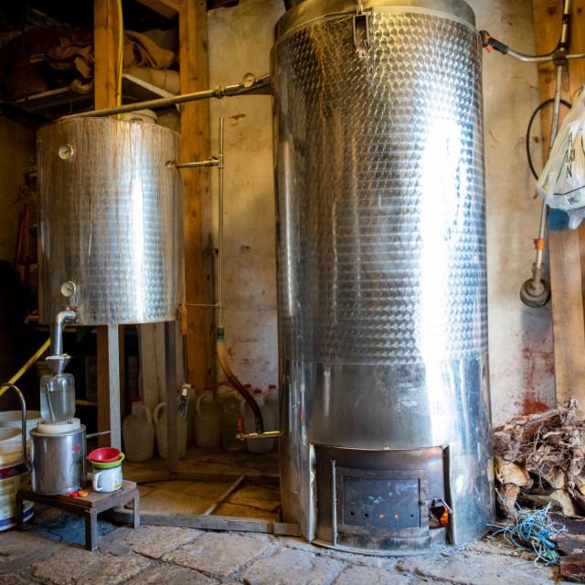 Bračni par Butigan iz Imotice proizvodi eterična ulja - zasad su jedini u Dubrovačkom primorju