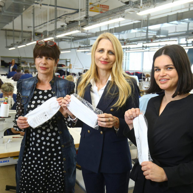 Počela proizvodnja zaŠtitnih maski za lice u tvrtci DES:Mija Perdić Lukačević, Edita Maretić Dimlić i Anamarija Asanović<br />