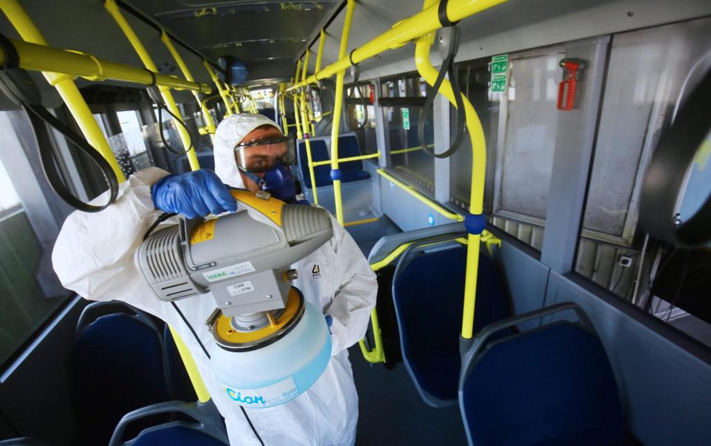 Tvrtka Cian zapocela je dezinfekciju autobusa Prometa zbog suzbijanja koronavirusa<br />