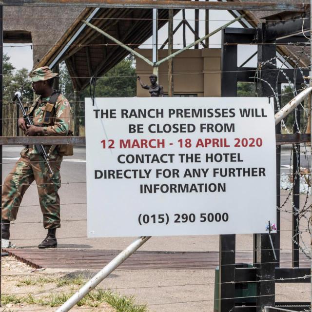 U Južnoj Africi i vojska štiti od 'korone'
