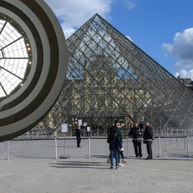 Pariški Orsay i svod newyorškog Guggenheima