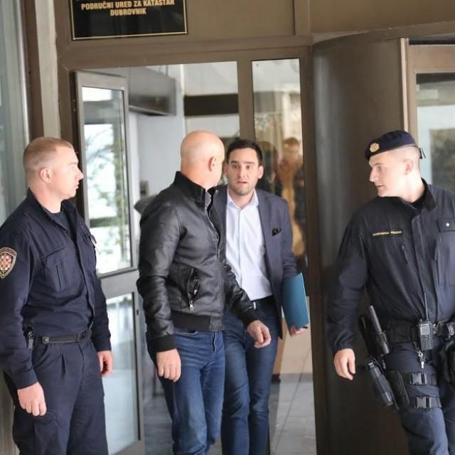 Bivši načelnik PU DNŽ Tonći Radibratović jutros je priveden dežurnom odvjetniku potom i sucu istrage