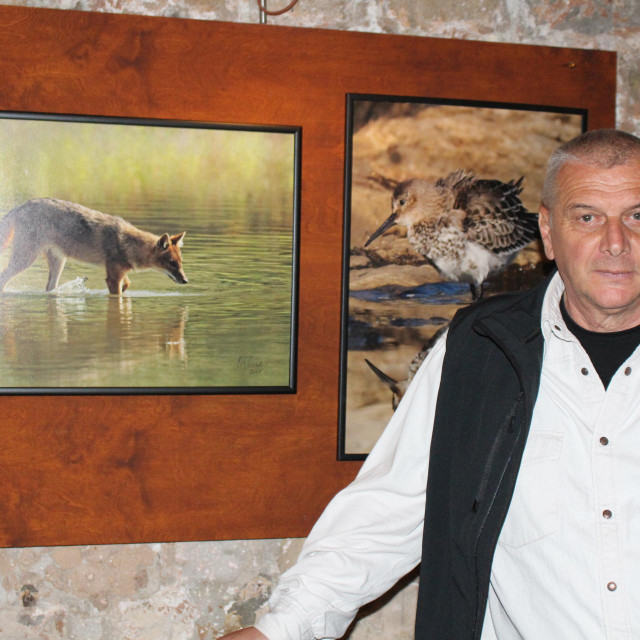 Zagrebački fotograf s lumbarajskom adresom Miljenko Marukić otvorio je izložbu fotografija u prostoru dubrovačkog Aquarija